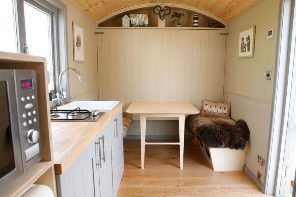 shepherd-hut-room-layour