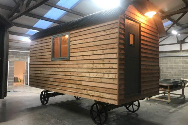 shepherd-hut-build-2