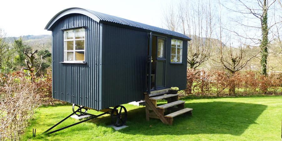 A classic Shepherd Hut, in the Garden of Wales.