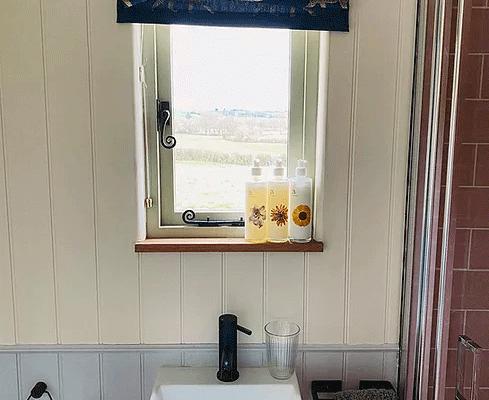 Shepherds Hut Bathroom Sink