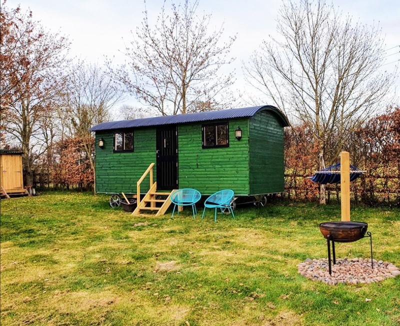 RandM Shepherds Hut